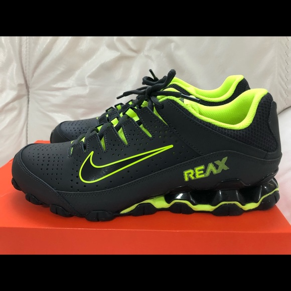 huge selection of f7ec0 98453 Nike Reax 8 TR Black Volt Size 9.5 New